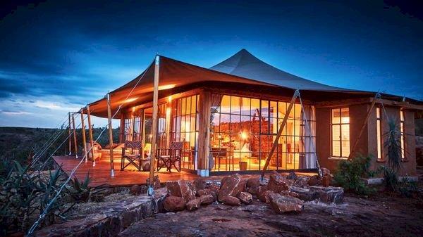 Luxury Safari Lodges in Kenya